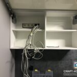Провода в шкафу