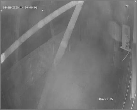 Грязная камера ночью