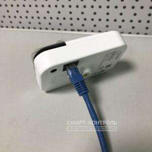 Камера подключена кабелем RJ-45